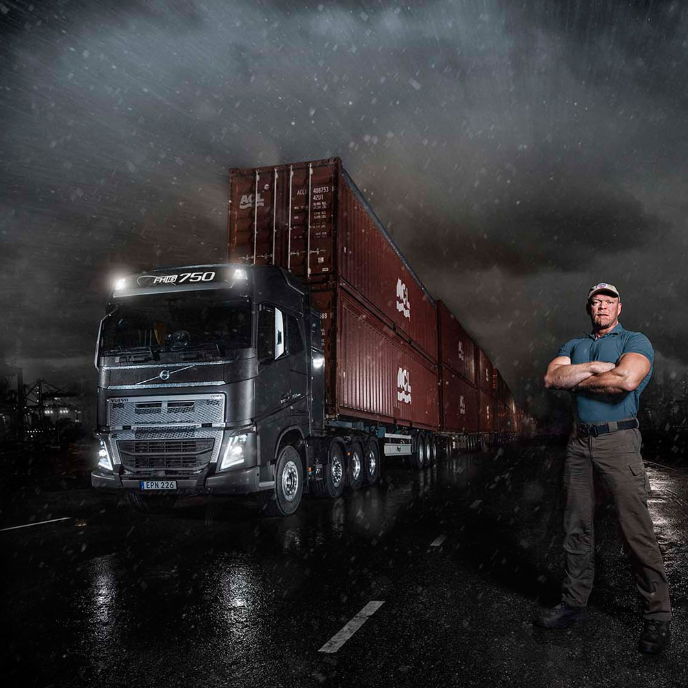 Swedish strongman Magnus Samuelson and I-Shift with Crawler Gears take on 750 tonnes.