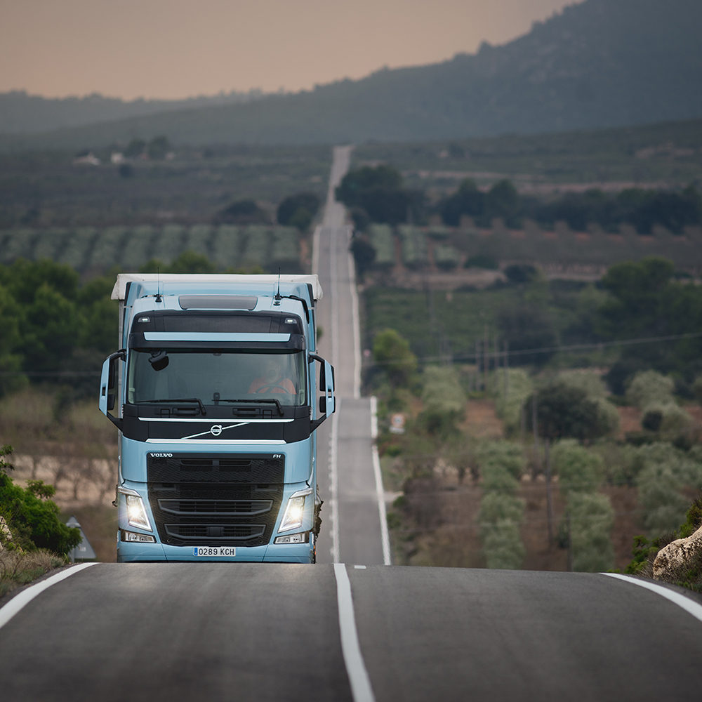 Volvo FH LNG in Spanish countryside