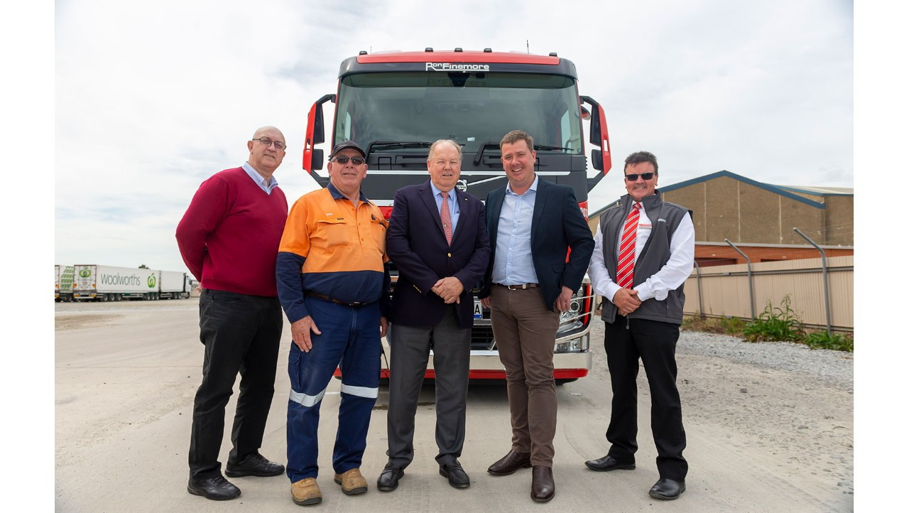 Laurie Brothers (RFT), Brian Withers (RFT), Ron Finemore (RFT), Brent Fuge (CMV Albury/Wodonga), Scott Finemore (RFT)