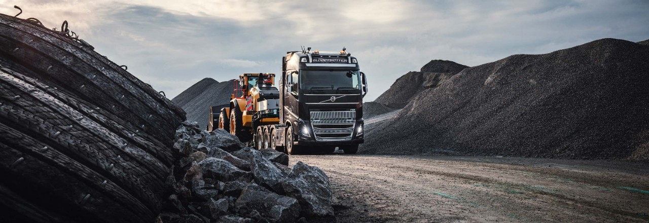 Explore the features that make the Volvo FH16 perfect for your challenges.